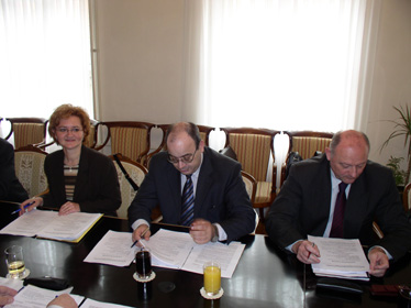 Voditelji pregovaračkog odbora Vlade RH Antun Palarić (gore) i pregovaračkog odbora Sindikata državnih službi Ivica Ihas (dolje)