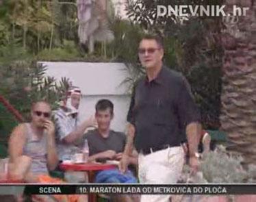 PRILOG: Radmira Čačića pronašli smo u rodnim Petričanima. Bio je ovog ljeta Čačić i u Cavtatu. Iako nije gasio požar, ni na odmoru nije propustio sve iskritizirati.