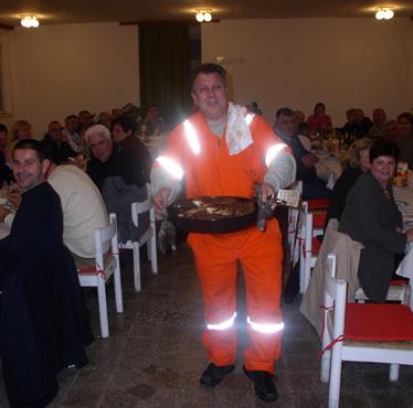 Zvijezda večeri i njegove ljupke pomoćnice