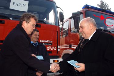 Navalno vatrogasno vozilo namijenjeno Požegi neće doći u ruke vatrogasnih profesionalaca. Znaju li to talijanski donatori?