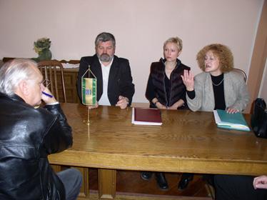 Prije početka Županijskog povjereništva Ivica Ihas sastao se sa službenicima gradske uprave čija su radna mjesta ukinuta