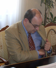 """Voditelj pregovaračkog tima Vlade Antun Palarić jučer je često posezao za mobitelom, a nerijetko i napuštao sastanak radi """"važnih"""" poziva"""