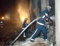 Zagreb - 09.04.03. -  pozar skladista u slovenskoj ulici - foto:Daniel Kasap