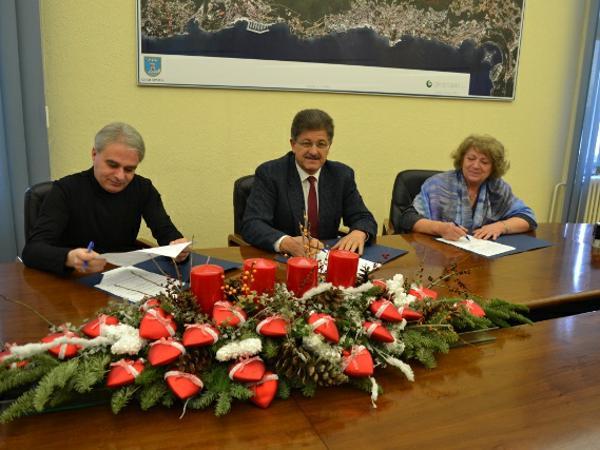 Potpisani ugovori oko osnovica plaća za djelatnike gradske uprave i gradskih ustanova