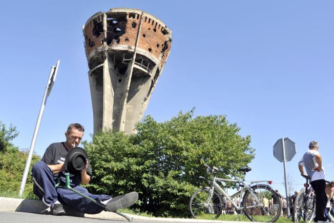 GLAS SLAVONIJE o ovrhama službeničkih plaća u Hrvatskom Podunavlju