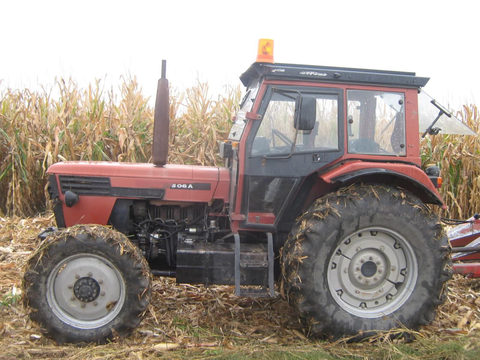 Zbog uporabe neregistriranog traktora nagrabusili službenici, njima nadređeni nevini