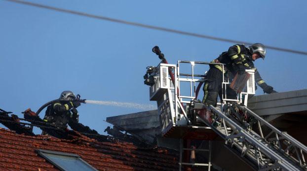 Mladi vatrogasac poginuo tijekom gašenja požara u Velikoj Gorici: 'Čuli smo četiri eksplozije'