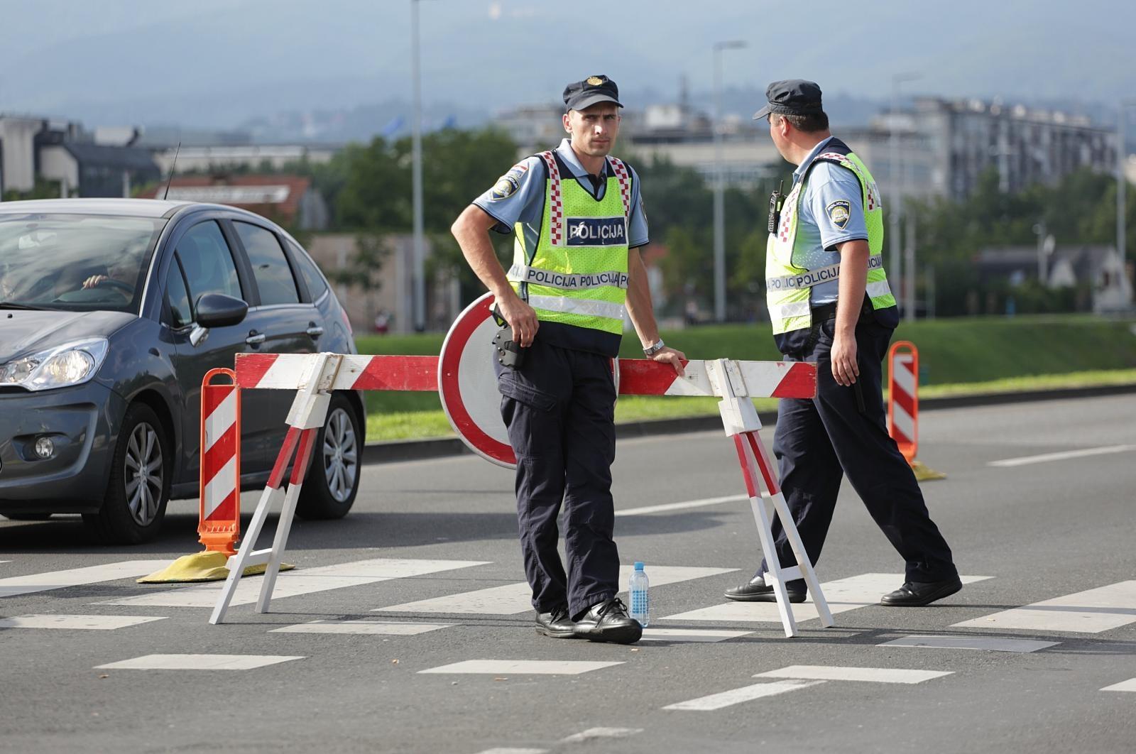 Reorganizacija MUP-a: Materijalna prava policijskih službenika i dalje ista?