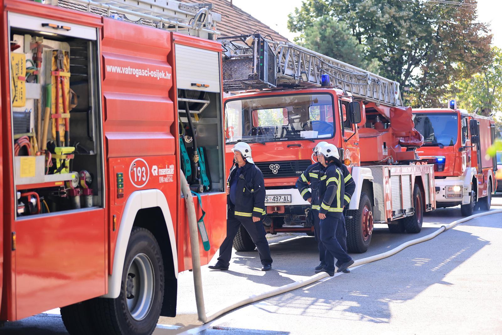 U Radnoj skupini za izradu prijedloga Pravilnika o klasifikaciji radnih mjesta profesionalnih vatrogasaca i sindikalni povjerenici SDLSN RH