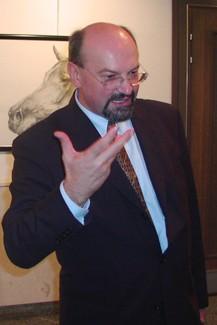 Potpredsjednik Granić - dužnosnik od kojeg je više funkcija valjda imao jedino njegov brat Mate. Je li za reformu Vlade trebalo angažirati njega ili resorno ministarstvo? (sdlsn)