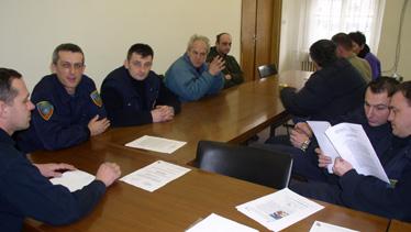 Povjerenik Dražen Pavlić (prvi slijeva) i članovi skupštine podružnice