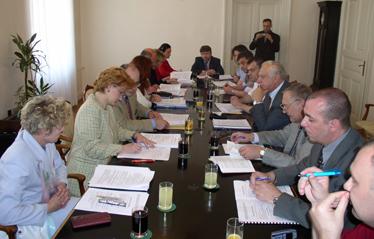 Voditelj pregovaračkog odbora sindikata državnih službi Ivica Ihas izrazio je nezadovoljstvo tijekom i razinom pregovora