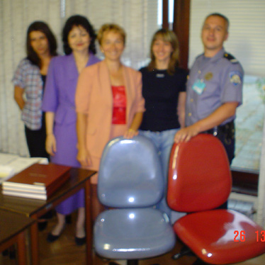 Sandra Jedvaj, Ljiljana Zubčić, Milkica Malarić i Brižita Čajkušić razlog su što je fotografu zadrhtala ruka. Svoj posao u Odjelu upravnih poslova moći će obavljati u novim, udobijim uredskim stolicama.