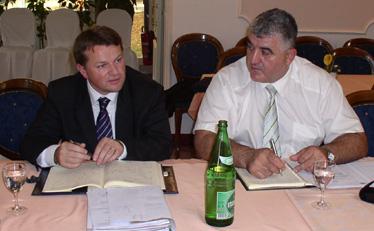 Načelnik kabineta ministra unutarnjih poslova Dražen Krtanjek i predsjednik Odbora policije SDLSN Mirko Bošković na vikend seminaru u Daruvaru