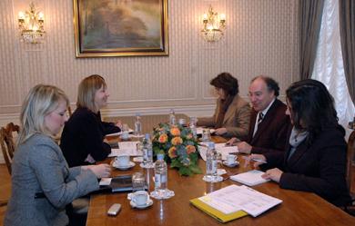 Potpredsjednica Vlade RH Đurđa Adlešić s predstavnikom SIGMA-e Juliom Nabaisom