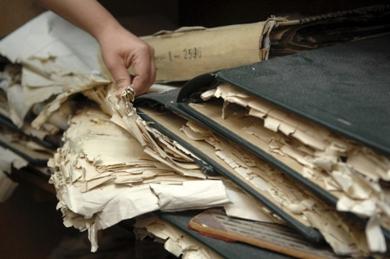 Službenice su zaposlene s ciljem ažuriranja desetljećima zapuštenih zemljišnih knjiga, za što će im trebati još 20 godina / MARIO TODORIĆ / CROPIX