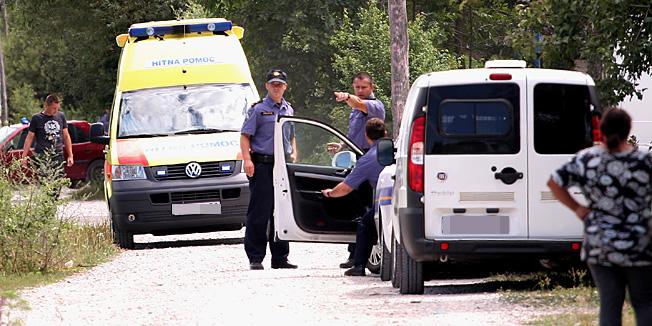 Karlovac, 16.07.2012 - Tucnjava i pucnjava izmedju roma u romskom naselju Orlovac sa tri ozlijedjene osobe